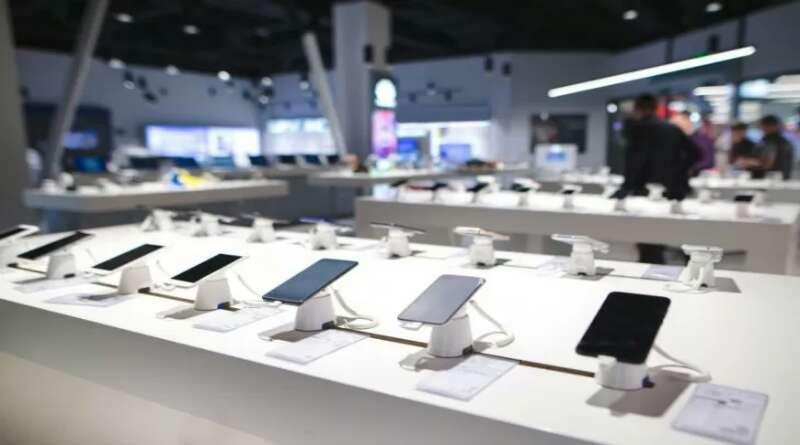 Pasar Ponsel Indonesia Terdampak Pandemi Corona