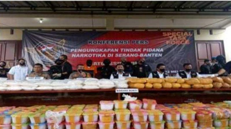 Polisi Ungkap Asal dan Tujuan 821 Kg Sabu-sabu