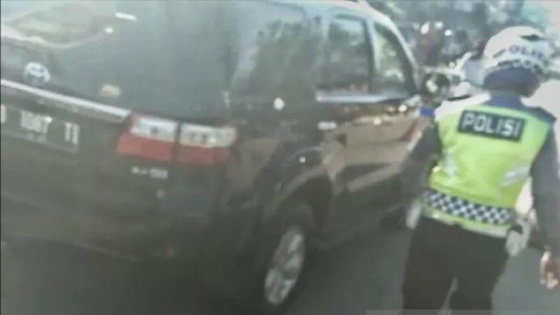 Polisi Ngamuk di Pos PSBB Bandung Berniat Kunjungi Orangtua