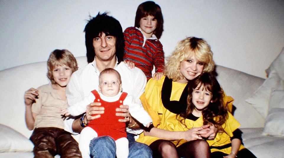 """Hidup Dilingkungan Keluarga """"Rock 'n Roll', Putra Ron Wood ini Nyaris Tewas oleh Serangan Jantung"""