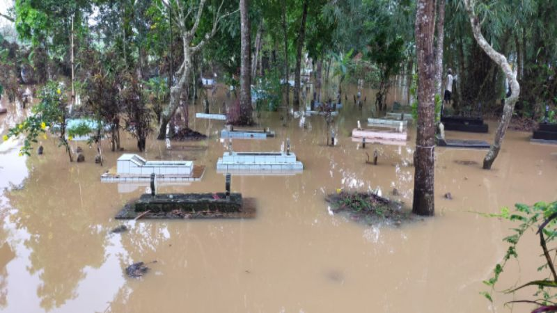 Selain Ratusan Rumah dan Puluhan Hektare Sawah, Banjir di Desa Tanjungsari Tasikmalaya Rendam 500-an Makam