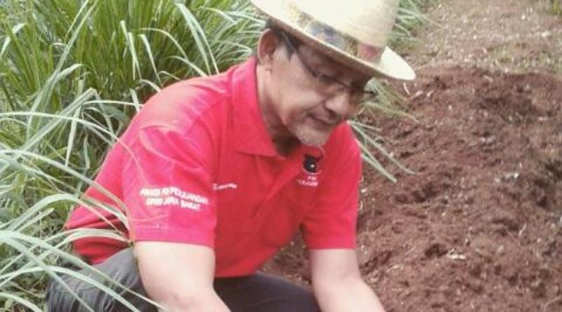 Hj. Yena Bacabup Bandung Tunggal PDI Perjuangan