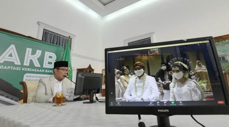 Ridwan Kamil Pantau AKB Resepsi Pernikahan di Hotel via Video Conference