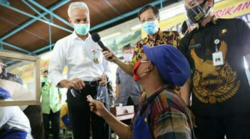 Cerita Emak-Emak Buruh Pabrik Berbekal 5 Masker Tiap Hari demi Cegah Corona