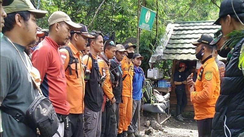 Sempat Hilang, Pendaki Gunung Guntur Akhirnya Berhasil Ditemukan