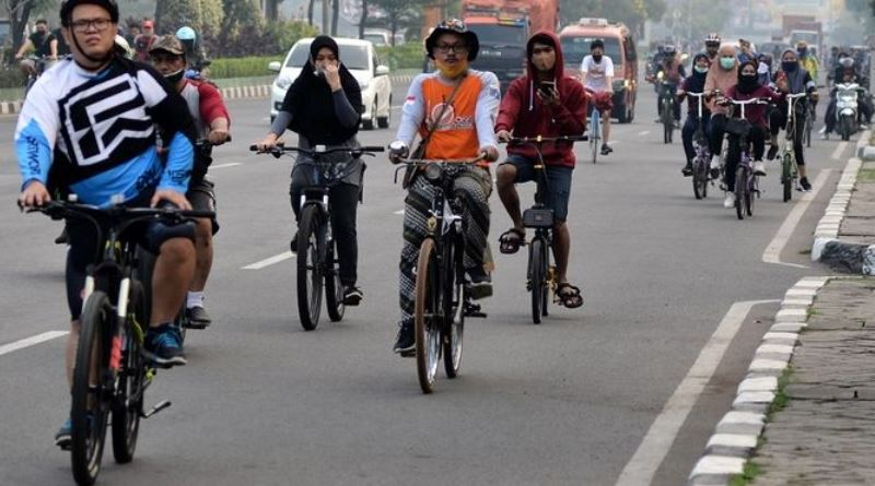 Bersepeda Aman dan Nyaman di Masa AKB, Simak Tipsnya