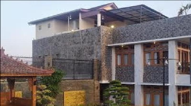 Polres Cianjur Geledah Rumah Mewah Milik Pengelola Investasi Bodong