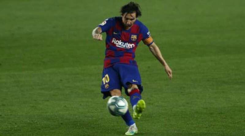 Messi Tak Bahagia dan Berlatih Sendiri di Barcelona