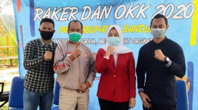 Hj. Yena Iskandar Masoem  Siap Melayani  Masyarakat Kabupaten Bandung