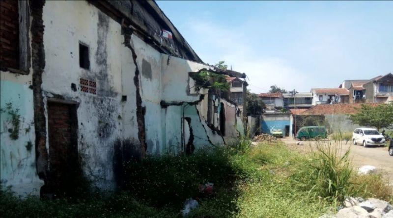 """Akan Dibangun Mal Tak Jadi-jadi, Lahan Eks Terminal Cileunyi Dibiarkan """"Sareukseuk"""""""