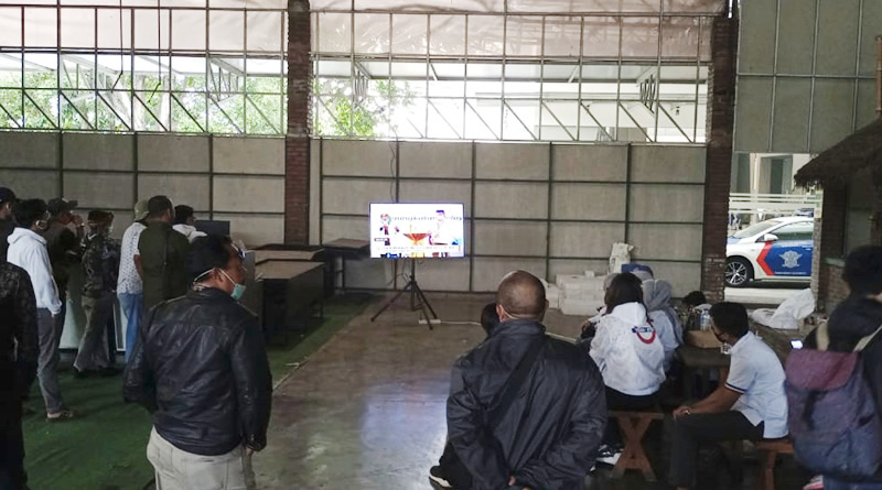 Pendukung Debat Publik Ketiga Paslon Kecewa, KPU Kab. Bandung Hanya Sediakan Satu Televisi