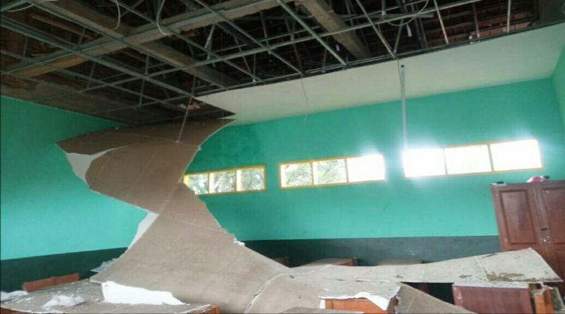 Bangunan SDN 2 Sukahati  Cinunuk pun Diterjang Amuk Hujan Badai