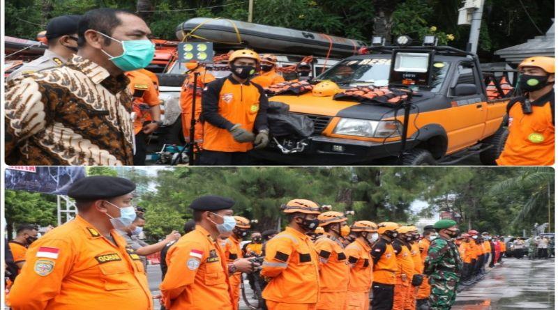 Aparat Gabungan Berbagai Unsur Apel Siaga Antisipasi Bencana Banjir di Kota Solo