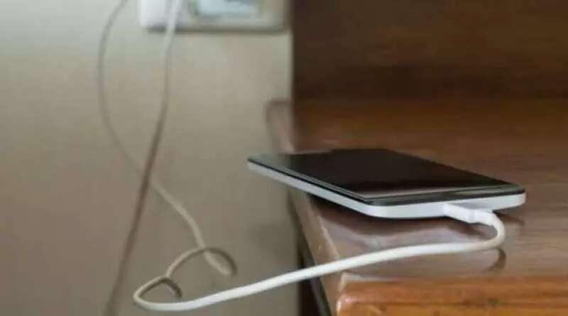 TIPS: Cara Rawat Baterai Ponsel agar Tetap Awet