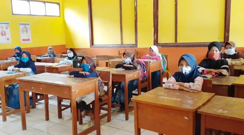 Orang Tua Siswa Tak Sabar Ingin Anaknya Belajar Tatap Muka, SDN Dukuh 1 Gelar Simulasi