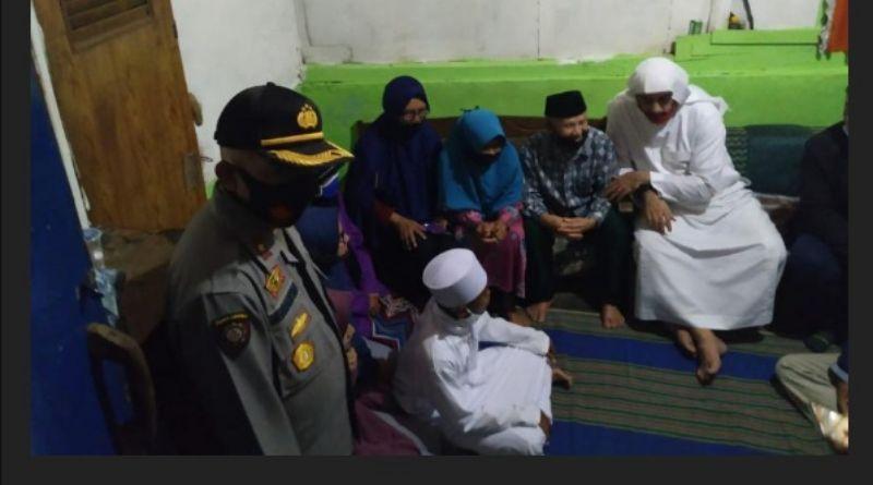 Tangis Haru Keluarga Pecah Saat Akbar Dibawa Syekh Ali Jaber