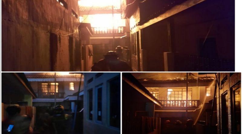 """BREAKING NEWS: 5 Rumah di Astanaanyar Terbakar, Petugas Diskar Berjibaku Padamkan Si """"Jago Merah"""""""