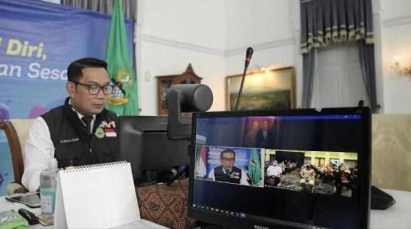 """Ridwan Kamil, """"Kalau Bisa IPB Terus Pinjamkan Gedungnya untuk Vaksinasi Masyarakat Umum"""""""