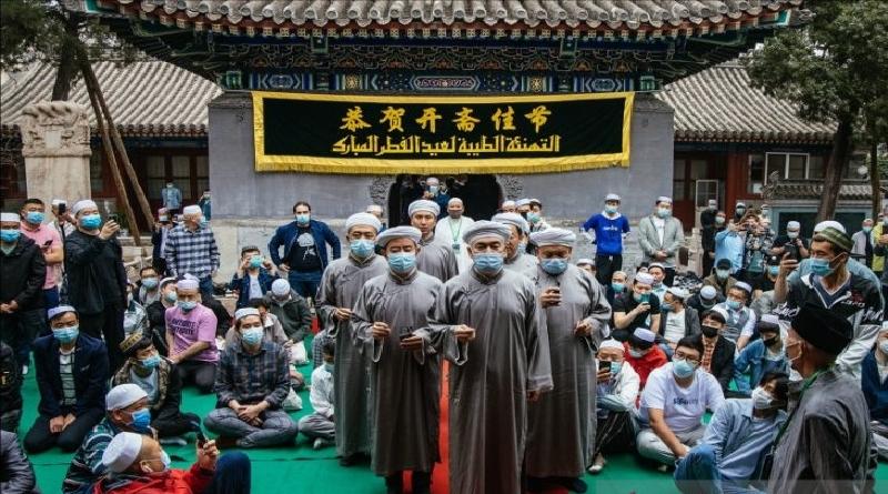 Jemaah Salat Idulfitri di Masjid-masjid di China Membeludak