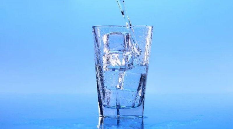 SEHAT: Benarkah Air Es Musuh Jantung? Ini Faktanya