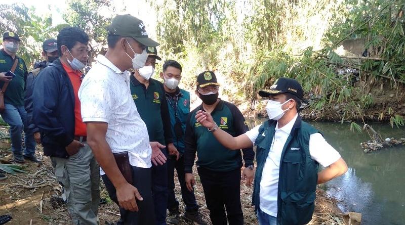 Bupati Bandung Gotong Royong Normalisasi Sungai di Rancaekek