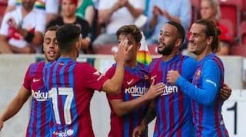Hasil Pra Musim: Memphis Depay Bawa Barcelona Permak Stuttgart 3-0