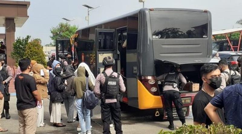Hasil Penggerebegan Pinjol di Yogya, Polda Jabar Tetapkan 1 Tersangka dan 7 Orang Masih Diperiksa